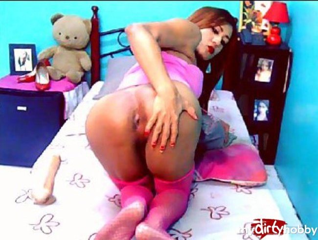 BarbieWildxx turns to a WILD ANAL LOVER