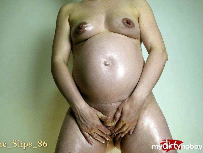 Ölspiel und Babybauchmassage